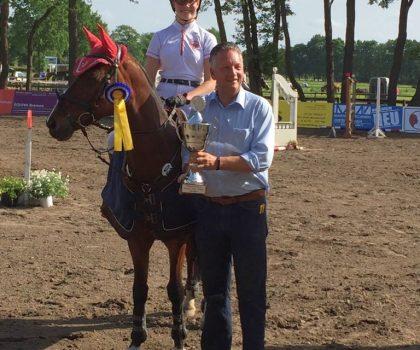 Hanna Schreyer siegt in der Wertung der Bremer-Pony-Trophy