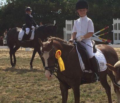 Mette Demmler siegte im Reiterwettbewerb in Bokel und Kirchwalsede