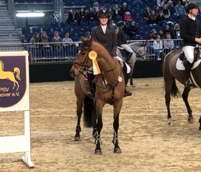 Hanna Schreyer gewinnt bei Springprüfung der Kl. S* und Rebecca Poppe siegt beim Fahrercup der Einspänner bei der Pferd & Jagd 2019